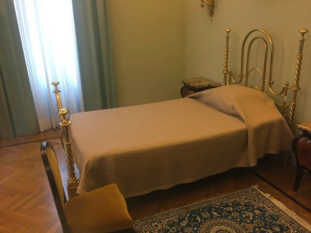 Best What Does The Pope's Bedroom Look Like Now You Can Find Out Selliyal செல்லியல் With Pictures