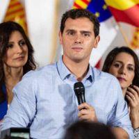 Vídeo | Sale mal: Albert Rivera intenta reírse de Sánchez y la red recuerda su legado político