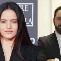 Rosalía revienta Twitter: opina sobre Vox con dos palabras y desata la ira de sus votantes