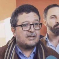 Francisco Serrano deja Vox tras la querella de la Fiscalía por presunto fraude en subvenciones, pero se agarra al escaño