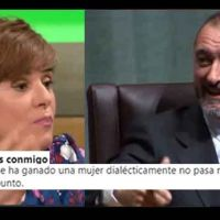 """Me la suda"". Arturo Pérez-Revete y Anabel Alonso se ven las caras en Twitter"