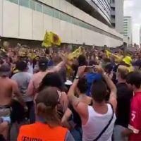 Vídeo | «Vergonzoso». Ni mascarilla ni distancia en la aglomeración en Cádiz por el partido de fútbol de ascenso a primera división