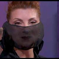 Najwa Nimri golpea a un cámara de televisión a su llegada a Madrid tras los Goya 2021