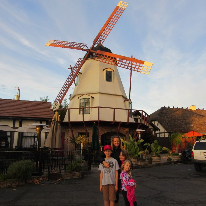 solvang-windmill-mom-and-kids
