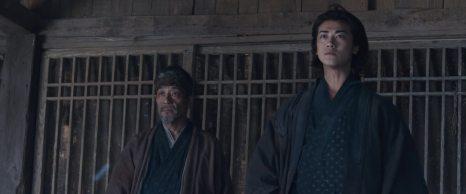 Nakajima Shū 中嶋 しゅう e Akanishi Jin 赤西 仁, rispettivamente nei panni di Horibe 堀部 e Chikara 主税. Entrambi sono rōnin, ma il secondo è anche il figlio di Ōishi Kuranosuke e Riku.