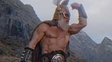 Thor è un po' fissato con il body building.