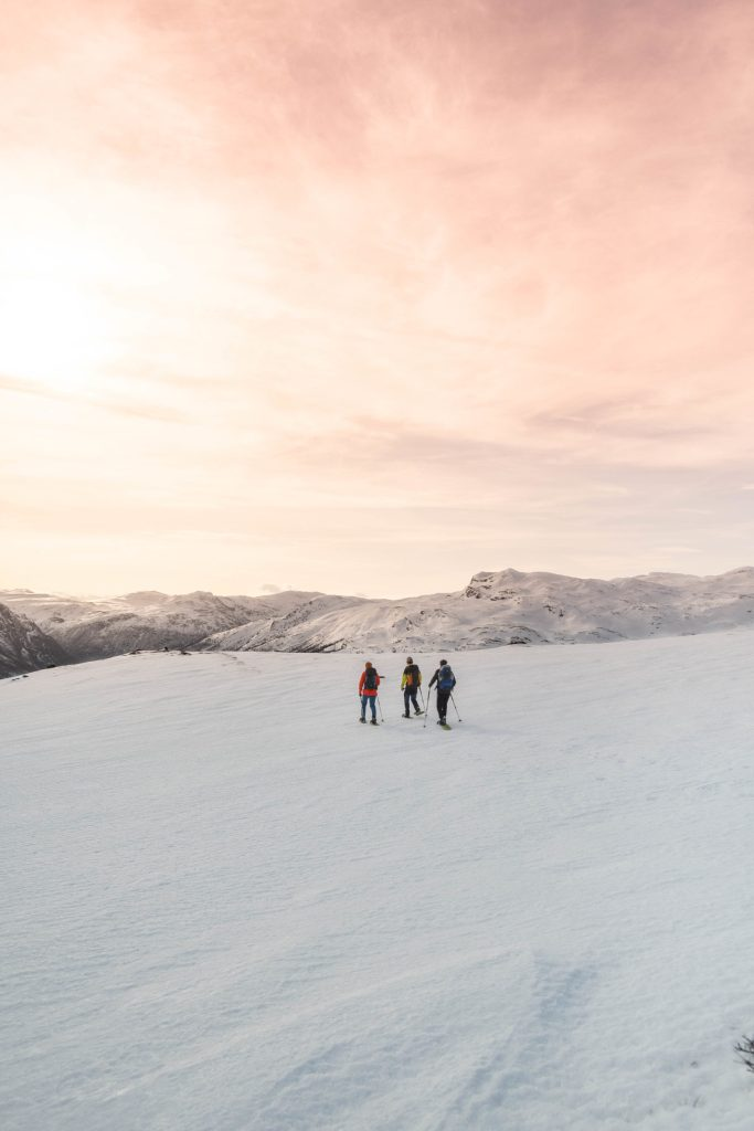 In the middle of snowhere – Snowshoeing at Filefjell – theworldpursuit.com