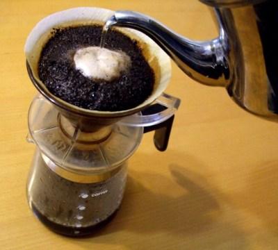 コーヒーかすが消臭剤