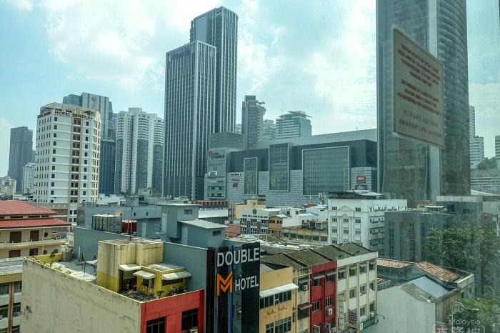 [吉隆坡] 近車站商旅豪景酒店,深夜街邊漢堡美食-大馬行 Day1