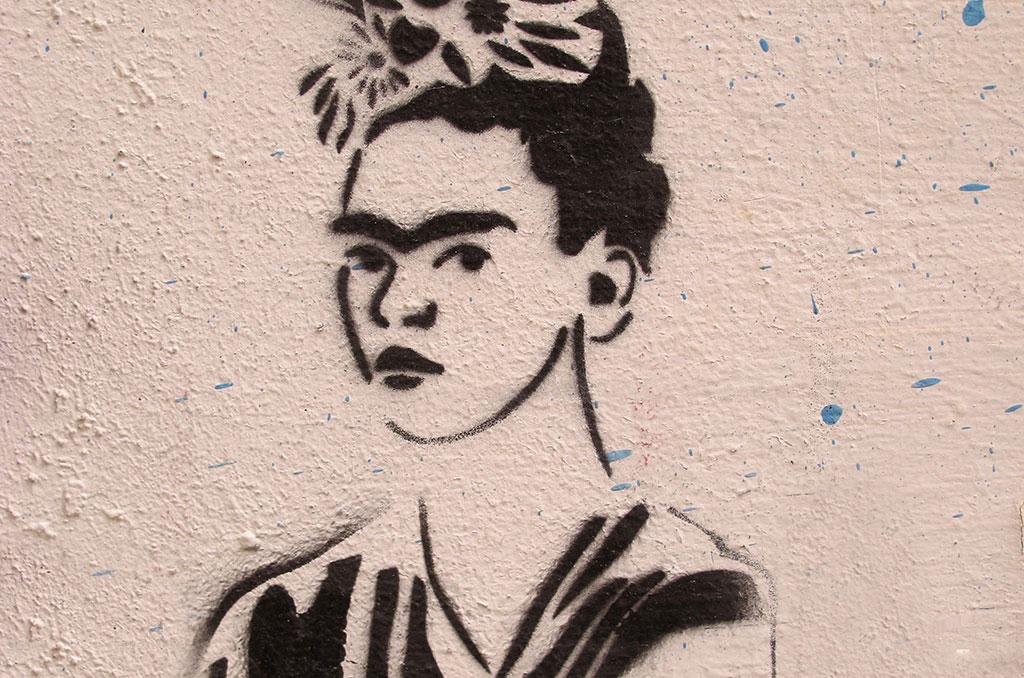 Graffiti en l'honneur de Frida Kahlo à Montevideo (Uruguay) © Toniflap