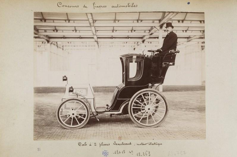 Cab à deux places Jeanteaud du concours de fiacres automobiles de juin 1898.
