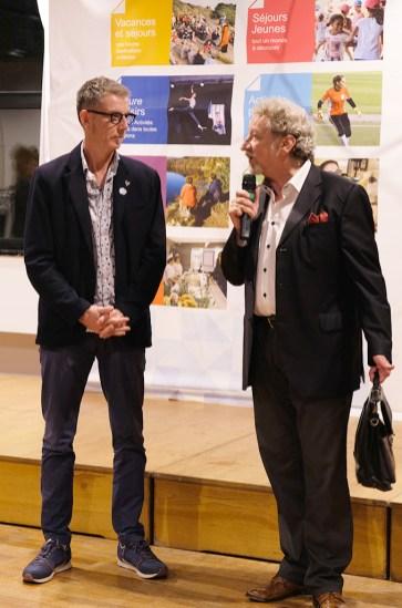 Robert Guédiguian (à dr.) et Patrick Coulet (à g.), président de la CMCAS Languedoc. ©Sophie Chyrek/CCAS