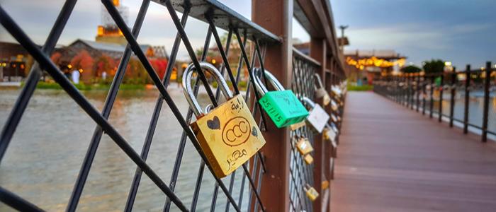 Love Lock Bridge Dubai.