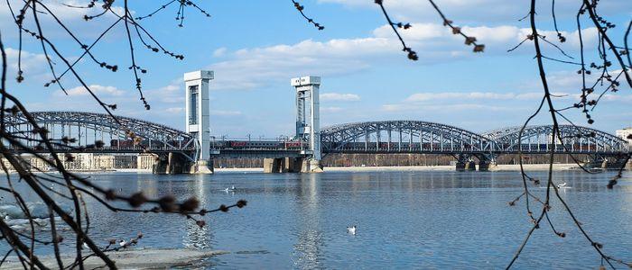 things to do in St Petersburg - the Blue Bridge