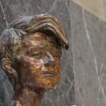 Bronze Büste von Sophie Scholl Ludwig Maximilan Universität München Sophie Scholl war Mitglied d