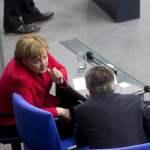 Deutschland Berlin 2 Sitzung des Deutschen Bundestages Angela Merkel und Thomas de Maiziere 21