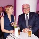 Marietta Slomka und Frank-Walter Steinmeier bei der Verleihung des Deutschen Radiopreises 2019 in der Elbphilharmonie.