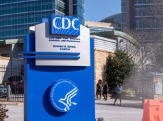 CDC (Bild: shutterstock.com/ Von bear_productions)