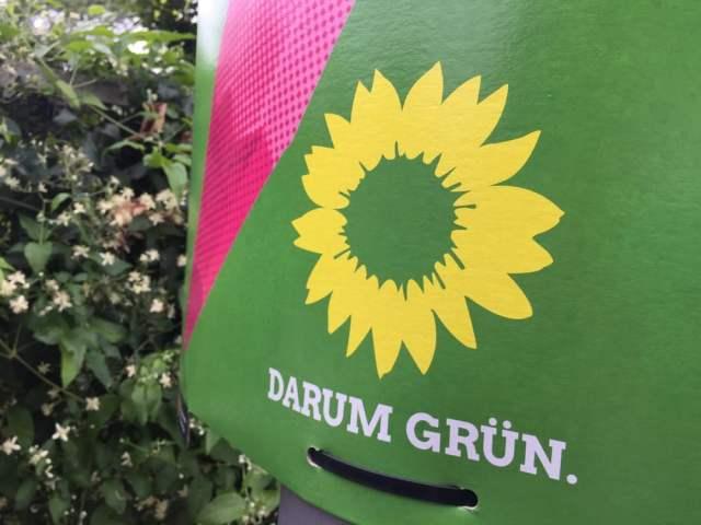 Werbeplakat Grüne (Symbolbild: shutterstock.com/ Von Cineberg)