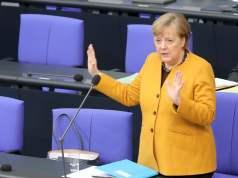 Merkel (Bild: shutterstock.com/ Von Juergen Nowak)