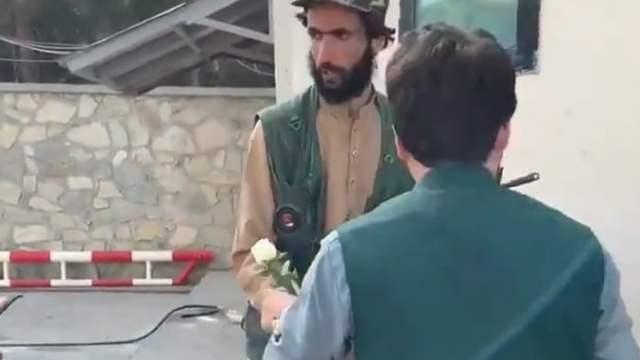 Rosen für die Taliban; Bild: Screenshot Twitter