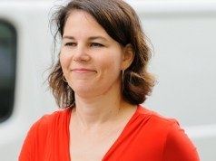 Annalena Baerbock (Bild: shutterstock.com/ Von photocosmos1)