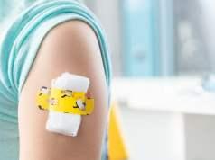 Kinderimpfung (Bild: shutterstock.com/ Von Ira Lichi)