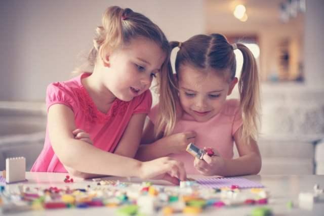 Gendermainstreaming bei Lego (Symbolbild: shutterstock.com/Von Liderina)