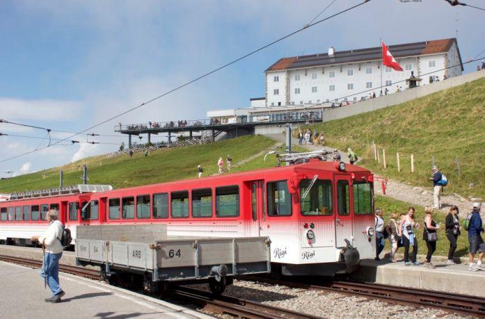 train-travel-switzerland