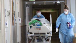 Grand Montréal: la vaccination tiendra les plus de 65 ans loin des hôpitaux