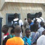 Augmentation des frais d'inscription et de scolarité au Gabon/Paiements des allocations d'études