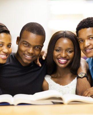 bourses de formation dans les écoles et universités privées Bourses UNESCO ISEDC 2017