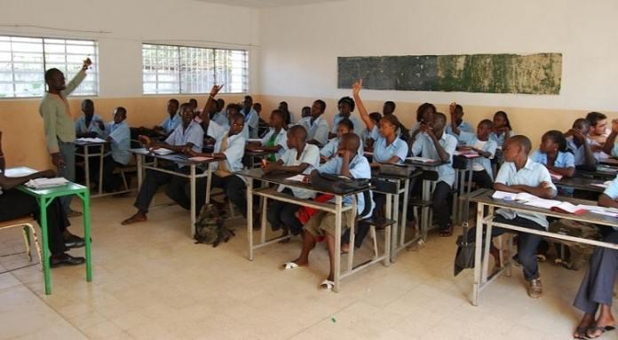 Hausse des frais d'inscription aux examens du CFEE et du BFEM/Alphabétisation et de formation professionnelle/Unesco donne une mauvaise note à l'Afrique/UNESCO dénonce l'absentéisme des enseignan/élèves du primaire ne maîtrisent pas la lecture et le calcul