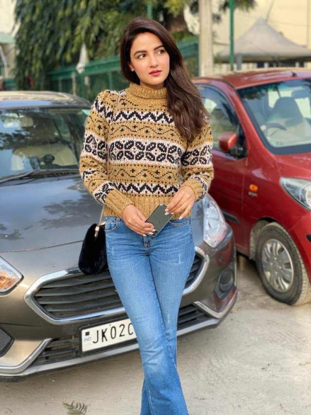 Jasmin Bhasin Net Worth