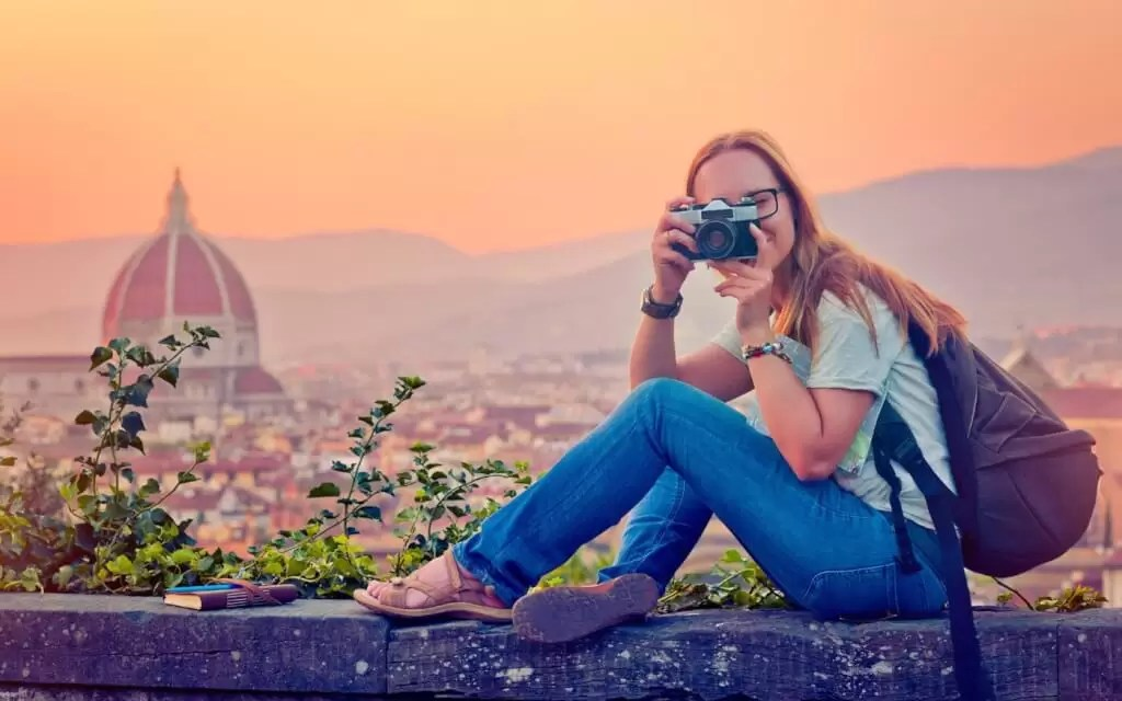 How to Make Money While You Travel