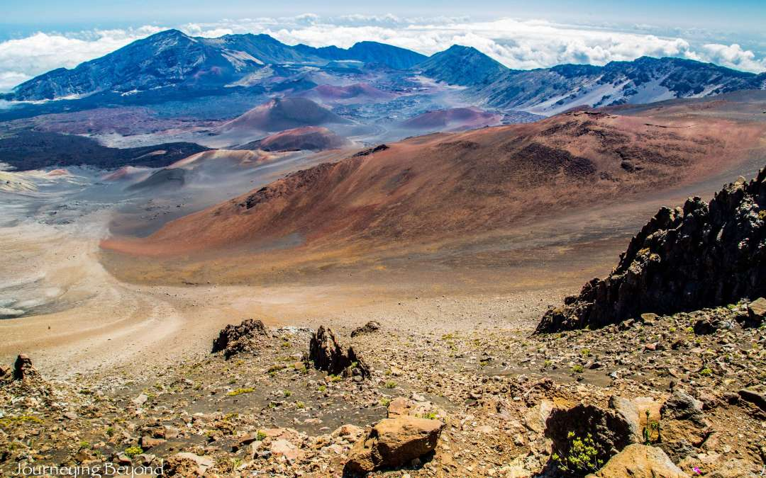 Maui's Otherworldly Summit – The Mystique of Haleakala Crater