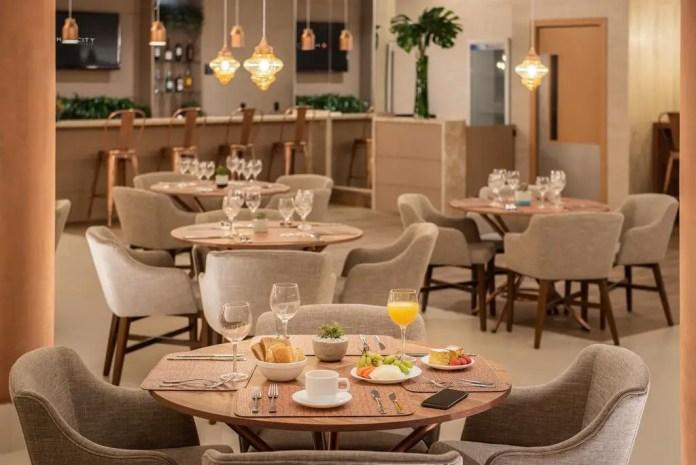 Dining area in the Curitiba hotel of Intercity Curitiba Batel
