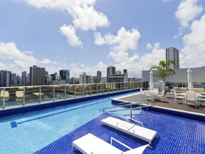 Bugan Recife Hotel pool