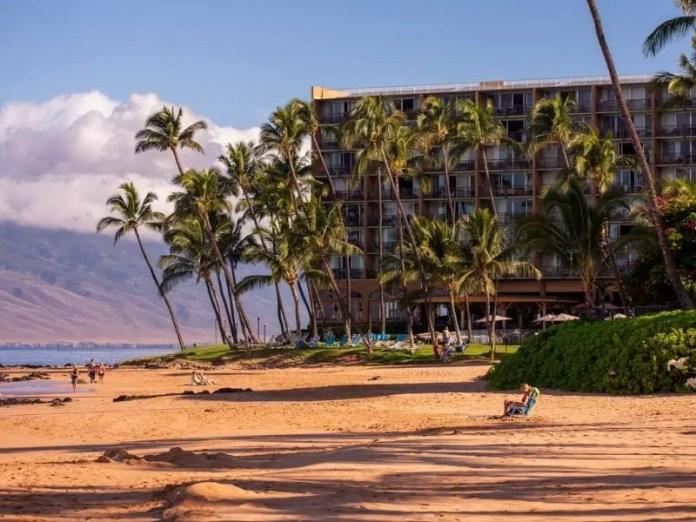 Hotels on Big Island and Maui