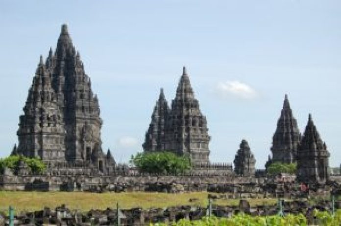 indonesia temple