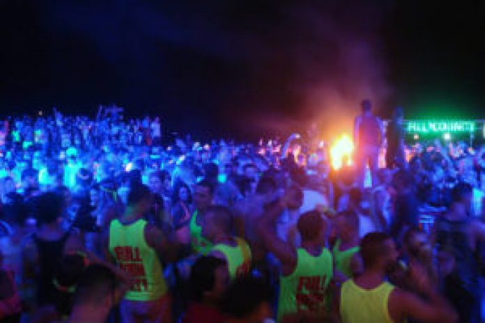 when to go full moon party
