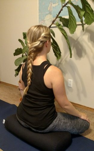 Using yoga bolsters for a meditation cushion