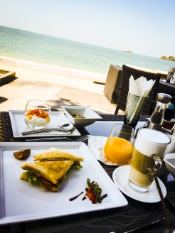 BREAKFAST BEACHVIEW