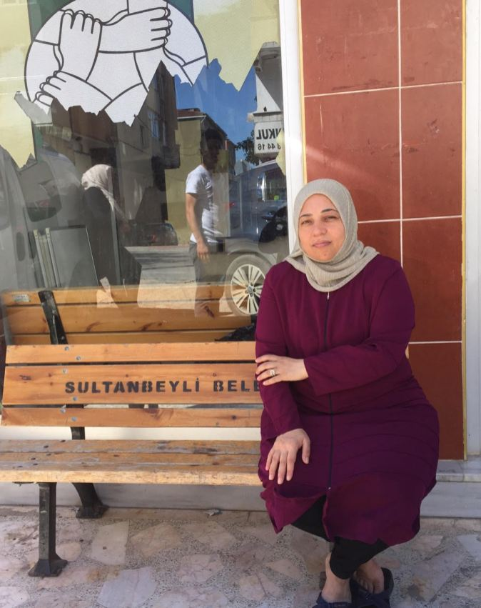 After crossing the Turkmen mountain on foot, Nur Karamüslim and her family first tried to settle near the Syrian border, but later moved to Istanbul for security reasons.