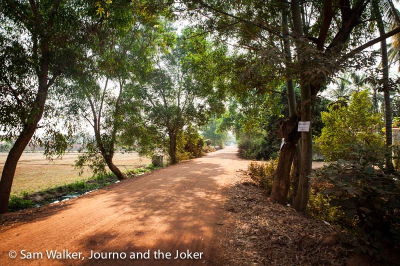 Country road in Siem Reap