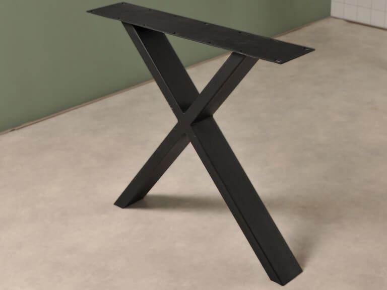 Elegante X poot in het zwart detail foto