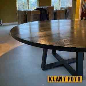 Klant foto van zwarte ronde tafel 180 cm