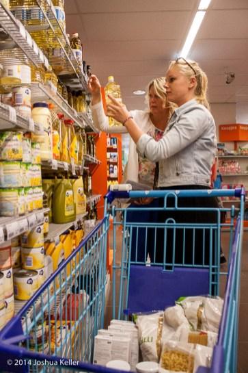 ggemeenteraad Groningen kooptin voor voedselbank 2014-joshuakeller-1259