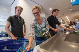 ggemeenteraad Groningen kooptin voor voedselbank 2014-joshuakeller-1289