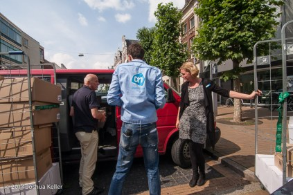 ggemeenteraad Groningen kooptin voor voedselbank 2014-joshuakeller-1300